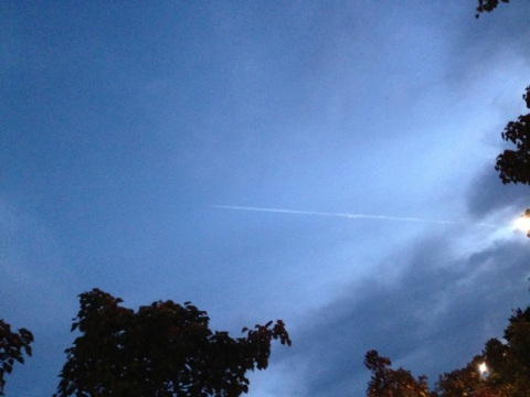 Manly Chemtrail Oct 2013